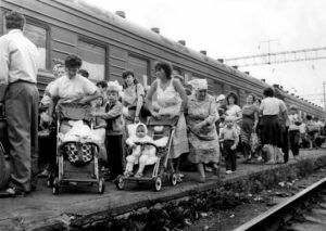 Эвакуация населения Чернобыля после аварии фото
