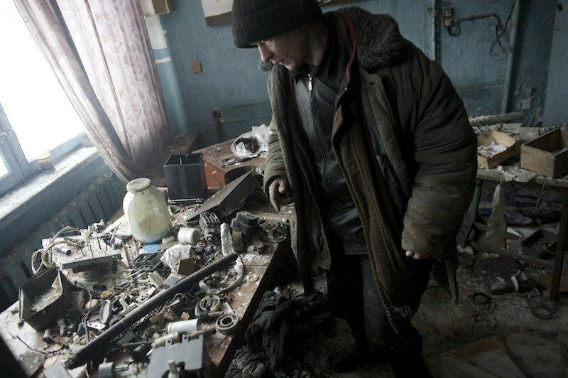 Мародеры в Припяти после аварии