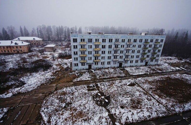 Заброшенный город-призрак «Адуляр» фото