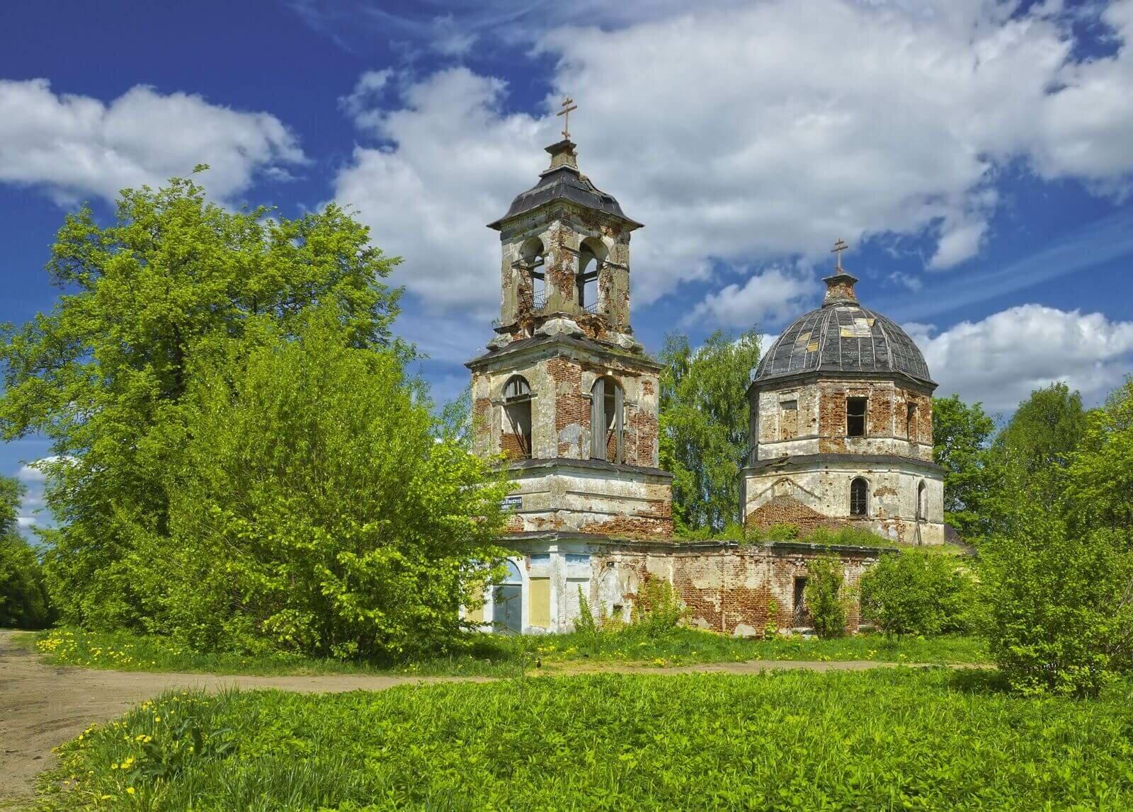 Заброшенная Церковь Покрова Пресвятой Богородицы Питер фото