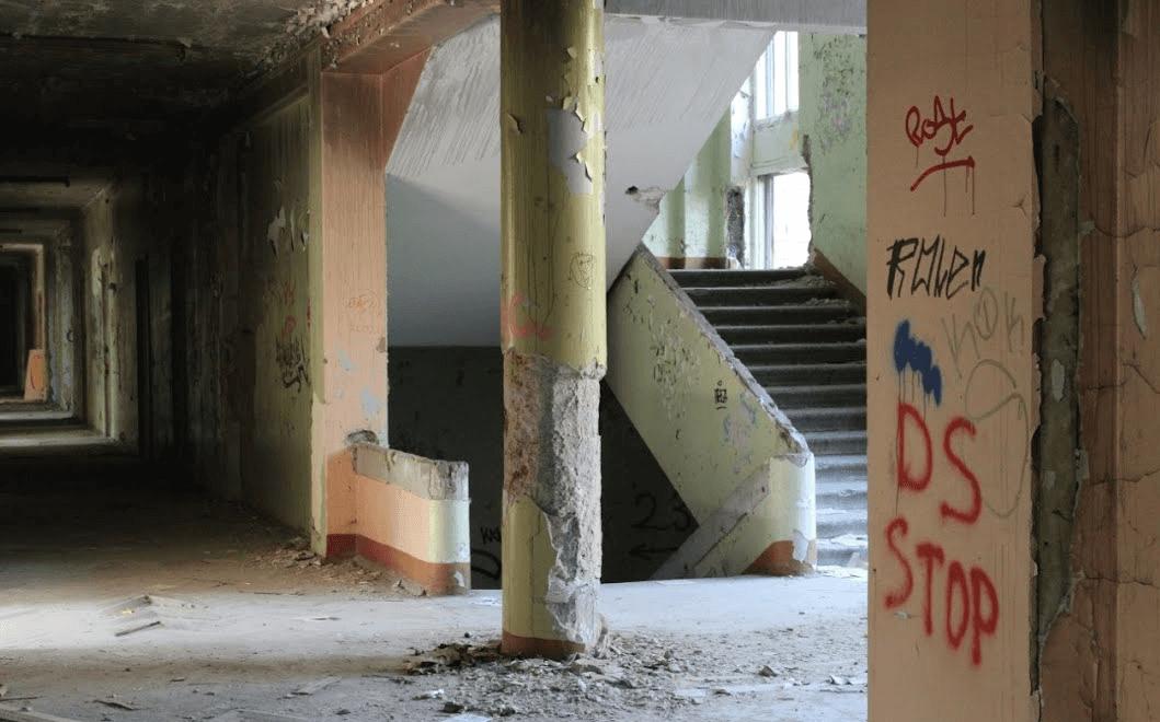 Заброшенная школа Космодемьянских фото
