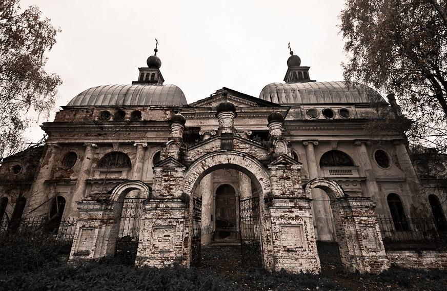 Заброшенный храм Казанской иконы Божией Матери фото