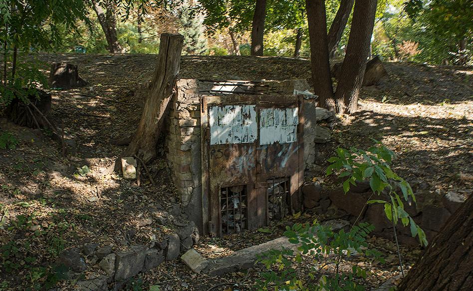 Заброшенный бункер ПВО под Киевом фото