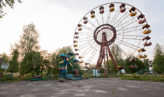 Заброшенный парк аттракционов (Владимирская область) фото